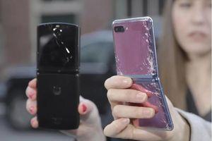 Thử thách thả rơi đọ đồ bền: Galaxy Z Flip vs Motorola Razr