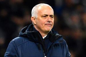 Son Heung-min báo hại Tottenham hay HLV Mourinho lạc hậu?
