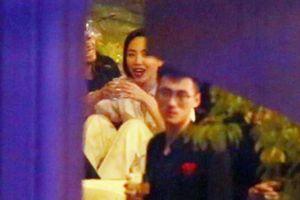 Tóc Tiên 'quẩy' cùng bạn bè sau tiệc cưới