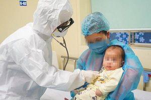 Việt Nam: Bệnh nhi nhỏ tuổi nhất nhiễm COVID-19 đã khỏi bệnh