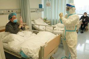 '70-80% ca nhiễm virus ở Vũ Hán khi phong tỏa là lây trong gia đình'
