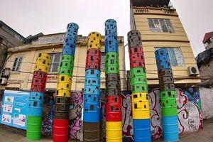 Chiêm ngưỡng con đường nghệ thuật được làm từ rác thải