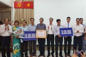 TP.HCM thưởng nóng 2 bệnh viện điều trị thành công bệnh nhân nhiễm Covid-19