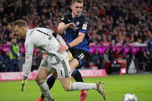 Neuer mắc lỗi suýt làm hại Bayern
