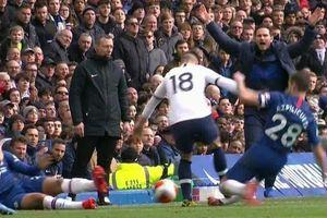 Trung tâm VAR thừa nhận sai lầm vì không đuổi học trò Mourinho