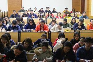 Đề xuất học sinh đi học lại từ tháng 3, không đeo khẩu trang trong lớp