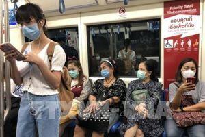 Dịch COVID-19: Mỗi người xuất cảnh khỏi Thái Lan chỉ được phép mang 30 khẩu trang