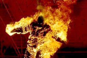 Một người chết cháy ở công viên gần cầu vượt Sóng Thần