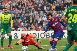 Messi lập cú poker, Barcelona thắng hủy diệt Eibar, lên ngôi đầu