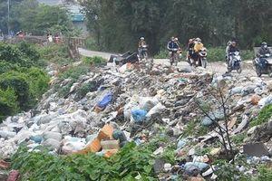 Nghệ An: Kinh hãi bãi rác tự phát gây ô nhiễm tại phường Vinh Tân