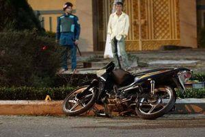 Tự tông xe máy vào dải phân cách, người đàn ông tử vong thương tâm