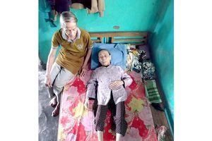 Vợ chồng già bệnh nặng, sống lay lắt