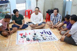 Tây Ninh: Bắt nhóm đối tượng chuyên mở sòng bạc tại đám tang