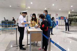 Bắt buộc khai báo y tế đối với người nhập cảnh từ Hàn Quốc