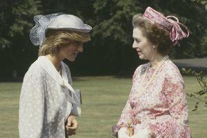 Mối quan hệ đầy sóng gió giữa Công nương Diana và mẹ kế lần đầu được phơi bày