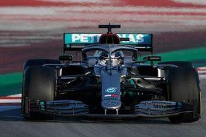 Mercedes thể hiện sự vượt trội sau đợt đua thử ở Barcelona