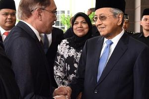 Thủ tướng Malaysia Mahathir Mohamad nộp đơn xin từ chức