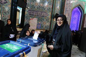 Phe bảo thủ Iran tuyên bố chiến thắng