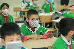 Hà Nội: Nghỉ tránh dịch Covid-19, học sinh không phải nộp học phí