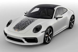 In dấu vân tay lên nắp capô Porsche 911, chủ xe tốn 8.100 USD