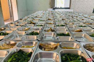 Cận cảnh nơi ăn ở của công dân Việt cách ly dịch COVID-19 tại Đà Nẵng