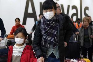 Giáo viên Mỹ tặng khẩu trang cho học sinh Trung Quốc phòng Covid-19