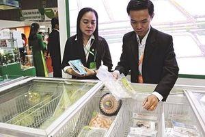 Thực phẩm chế biến: Thuận lợi ở Trung Quốc, bất lợi ở sân nhà