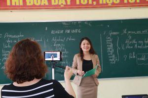Khó triển khai dạy học đại trà qua sóng truyền hình