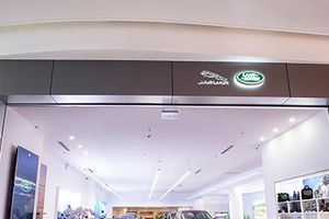 Jaguar Land Rover có showroom đầu tiên tại Việt Nam sau khi đổi nhà nhập khẩu