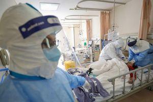 Bệnh nhân nhiễm virus corona nhổ nước bọt vào mặt y tá ở Hàn Quốc