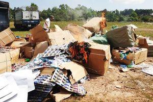 Quảng Bình: Tiêu hủy gần 20.000 món đồ chơi nguy hiểm xuất xứ Trung Quốc