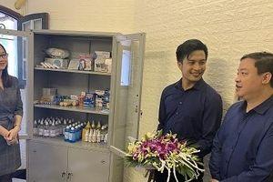SPIR và REI-VN trao tặng nhiều trang thiết bị phục vụ phòng y tế VUFO