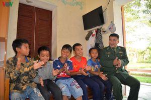 Khi những đứa trẻ làm 'Con nuôi Đồn Biên phòng' nơi vùng cao biên giới