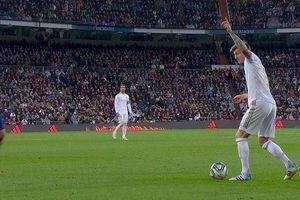 Kroos chỉ Vinicius chạy chỗ để ghi bàn vào lưới Barca