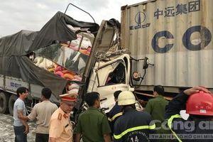 Vụ TNGT 3 người chết: Vận tốc xe tải 49 km/h, xe container 17 km/h
