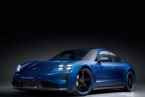 Porsche Taycan Turbo có body kid mới bằng sợi carbon