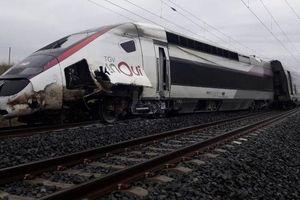 Pháp: Tàu cao tốc trật bánh khiến hàng chục người bị thương