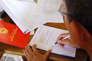 Làm giả giấy tờ cho người khác vay ngân hàng