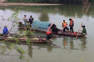 Chồng tử vong, vợ mất tích khi đánh cá trên sông Mã