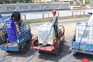 Bến Tre: Hạn mặn khốc liệt, dịch vụ đổi nước ngọt nở rộ