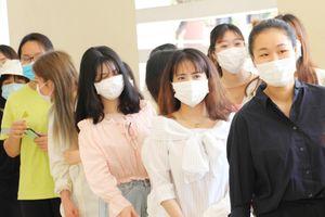 57 công dân đầu tiên từ Hàn Quốc về Đà Nẵng rời khu cách ly