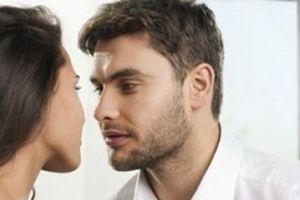 Hãy mạnh dạn dứt bỏ người đàn ông bạn yêu nếu anh ta có những dấu hiệu yêu bạn chỉ vì 'chuyện ấy'