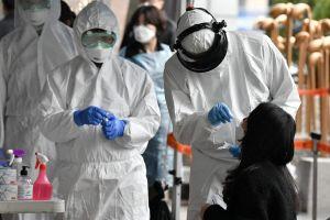Số ca nhiễm mới ở Hàn Quốc tăng gần gấp đôi