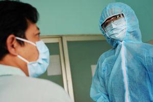 Nữ bác sĩ ở khu cách ly dịch Covid-19: 'Con hy vọng ba má sẽ ủng hộ'