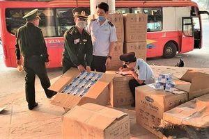 Bắt giữ hơn 90.000 khẩu trang y tế chuẩn bị xuất qua biên giới