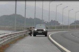 Xử lý người đàn ông dừng xe trên cao tốc Hạ Long - Hải Phòng bắn chim