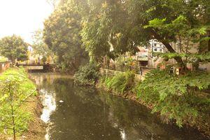 Kênh dẫn nước đi qua xã Tân Lập, huyện Đan Phượng: Dân khổ vì ô nhiễm