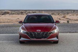 So sánh Hyundai Elantra 2021 với phiên bản tiền nhiệm