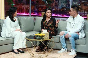 Lê Dương Bảo Lâm tặng mẹ nhẫn kim cương trên sóng truyền hình