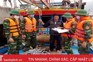 Bắt quả tang tàu cá sử dụng kích điện trên vùng biển Hà Tĩnh